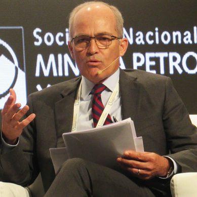 Roque Benavides: «Debemos declarar también el país en emergencia por la inversión»