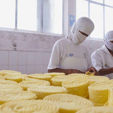 Planta de lácteos financiada por Antapaccay revalida su certificación sanitaria internacional