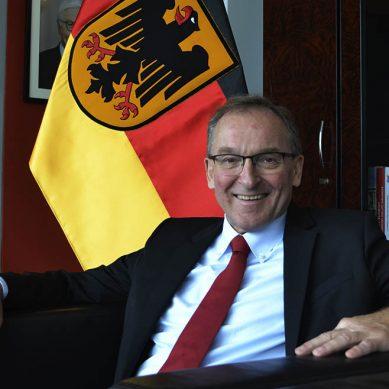 """Embajador Alemán Jörg Ranau: """"La transición energética  no es un lujo"""""""