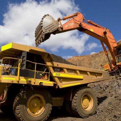 ¿Mineros peruanos son más productivos que chilenos? Medios de país vecino dudan de dicho de CEO de Codelco