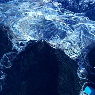 Para Rio Tinto, segundo yacimiento de cobre más grande del mundo es un «activo no esencial»