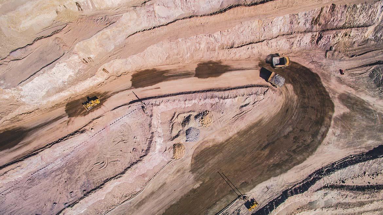 Stracon se adjudica nuevos contratos con el proyecto de cobre Quellaveco