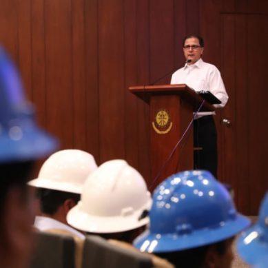 MEM reconoció a trabajadores de empresa minera artesanal por obtener certificación internacional de oro responsable