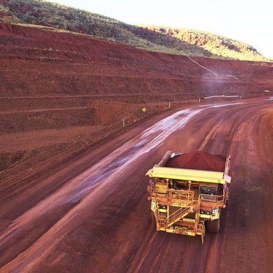 Tonelada de mineral de hierro supera los US$120 por mayor demanda de acero chino