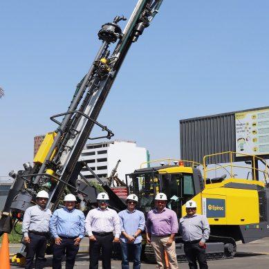 Epiroc entrega potente perforadora FlexiROC D65 a contratista peruano