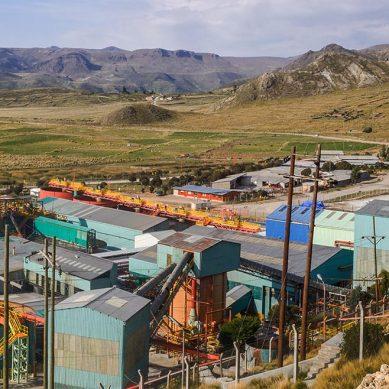 Buenaventura despide a trabajadores por caída en la producción de oro y plata en Orcopampa