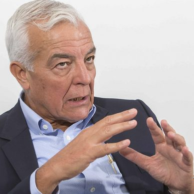 Carlos Gálvez: «Me interesan los jóvenes y no los viejos, que ya no pueden cambiar el chip»