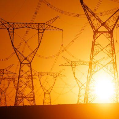 Producción eléctrica retrocedió 25% interanual en mayo