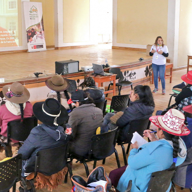 Mujeres de Velille empoderadas en liderazgo y emprendimiento por acción del Minem