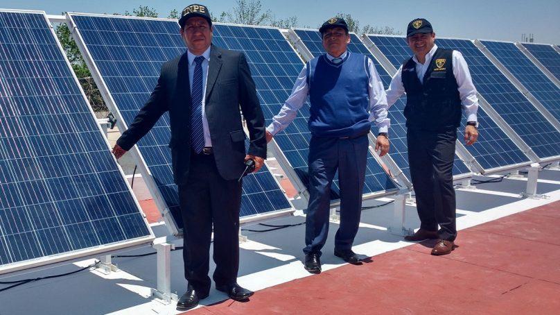 Centro penitenciario de Ica moderniza iluminación con paneles solares