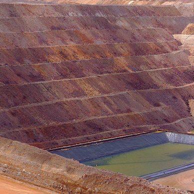 El oro no brilló en abril: 53.5% retrocedió producción nacional del metal precioso