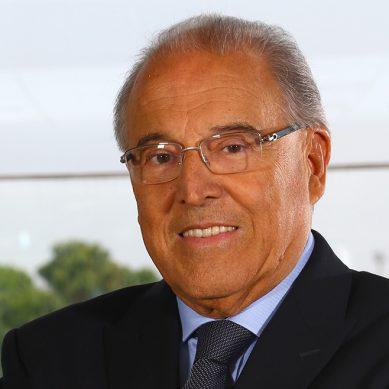 Óscar Espinosa: «Podríamos ser el primer país productor de minas del globo»
