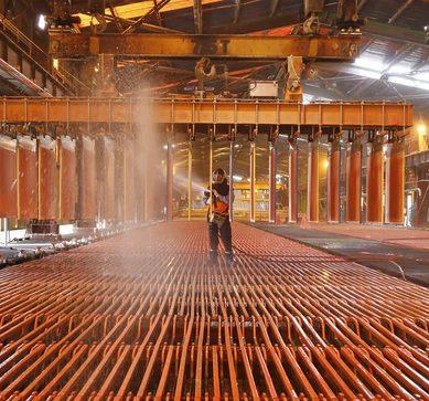 Cobre salta a su mayor nivel en más de un año ante preocupaciones por producción en Chile