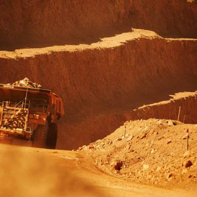 BHP ofrece plan de egreso a más de 600 trabajadores confinados de mina Escondida