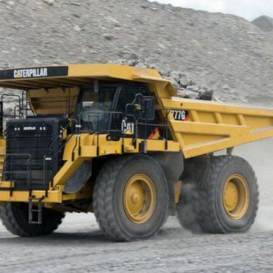 Tres CAT modelo 777G, los primeros camiones mineros entregados a Quellaveco