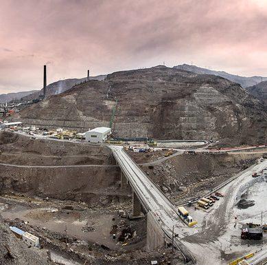 Estatal chilena Codelco realiza colocación de bonos por US$800 millones