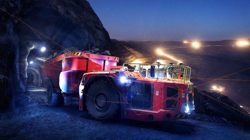 Sandvik logra que camiones autónomos de minería subterránea operen también en superficie