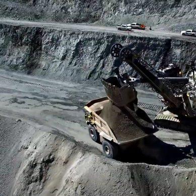 MEF: «40 mineras están funcionando y generando más de 60.000 puestos de trabajo»