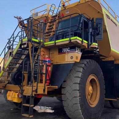 ADE y Austin Engineering fabrican exclusivo camión minero para rociar agua