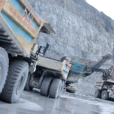 Freeport reduce fuerza laboral en mina de oro más grande del mundo por casos de COVID-19
