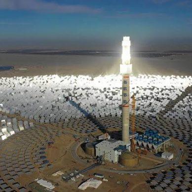 Shanghai Electric completa montaje del MSR en torre térmica de 222 metros de altura