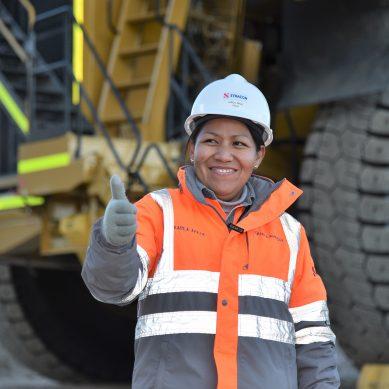 «Nunca pensé que tendría esta oportunidad»: 40 mujeres aprenden a operar camiones para Quellaveco